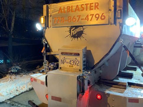 Alblaster snow truck back